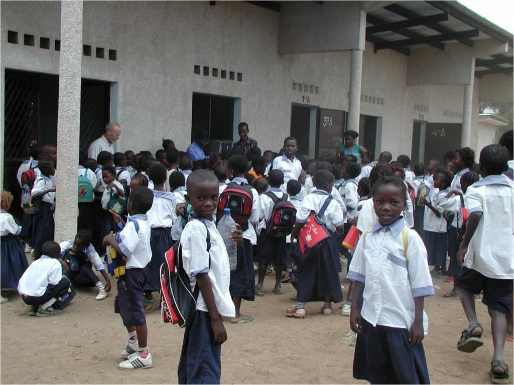 Ecole primaire. Fin de récré